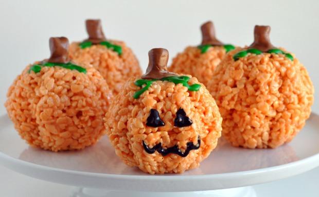 Halloween treats - pumpkin rice crispies