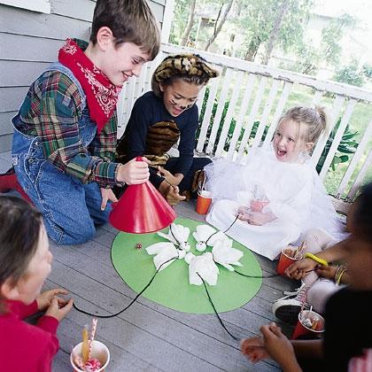 halloween activities for kids - grab the ghost
