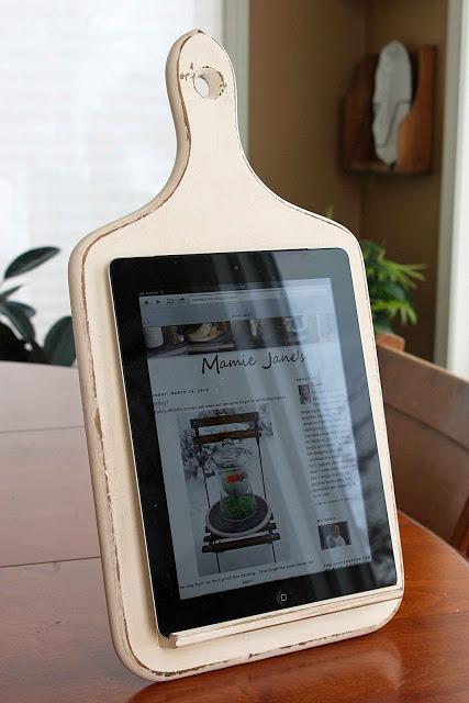 frugal christmas - tablet holder
