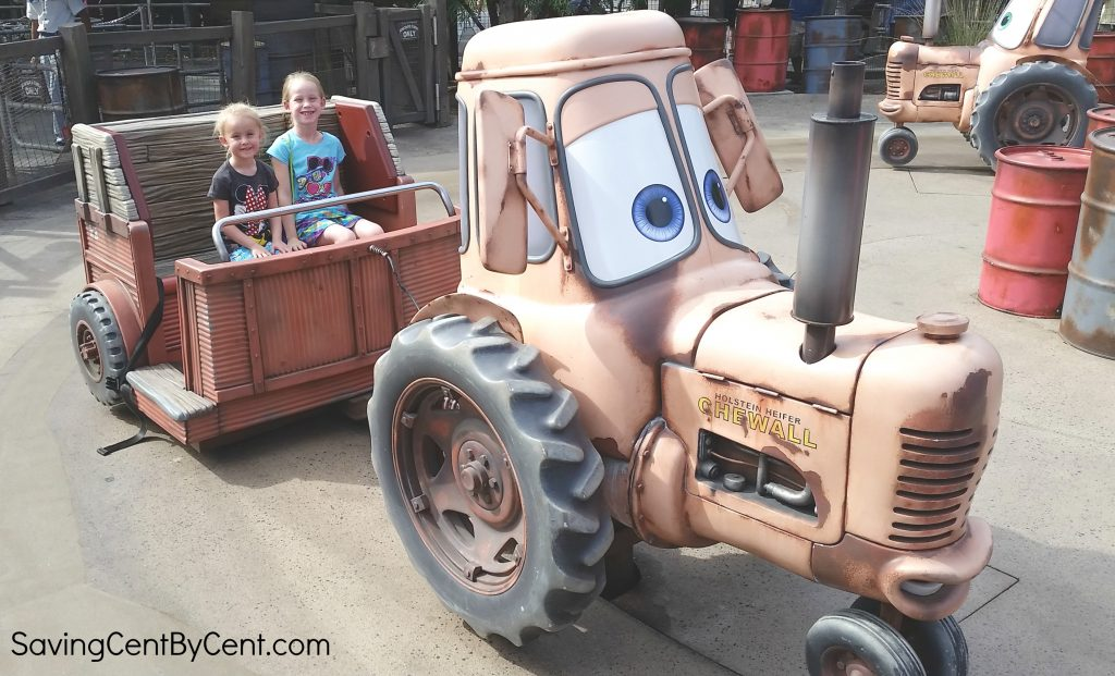 disney-california-adventure-tractor-ride