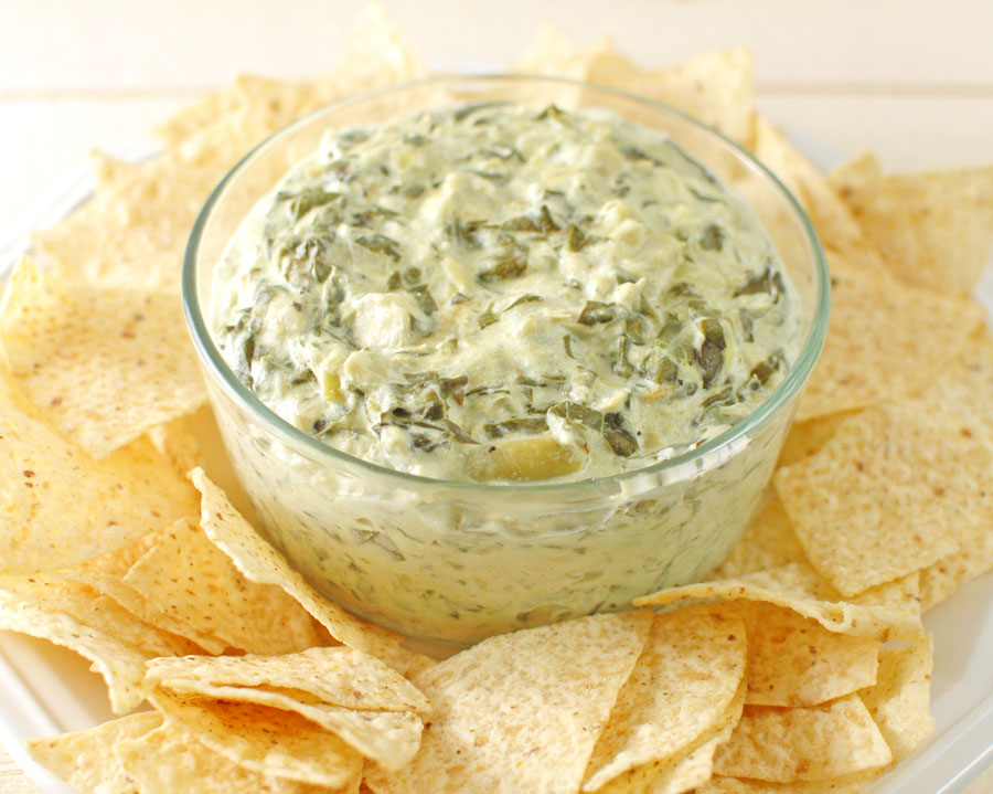 Crock Pot Cheesy Spinach Artichoke Dip