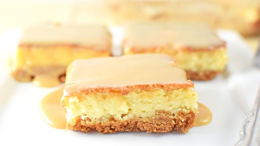 Gooey Caramel Cheesecake Bars
