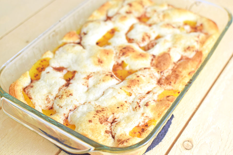 Easy peach cobbler recipe with canned peaches