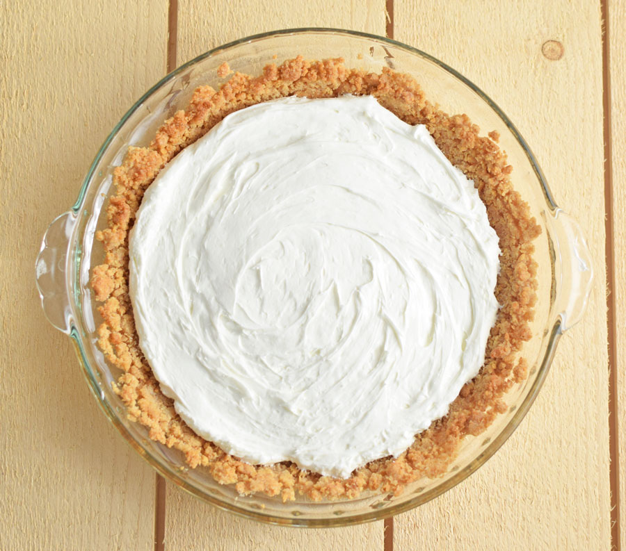 Peach pie with cream cheese filling